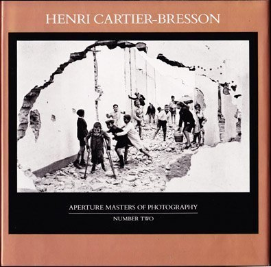 Henri Cartier-Bresson (Aperture Masters of Photography) 9780893812812 Gorgeous duotones that show how, for Cartier-Bresson, art is an expression of common humanity.Henri Cartier-Bresson (1908-2004) studied