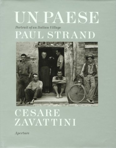 9780893817008: STRAND PAUL, UN PAESE: Portrait of an Italian Village