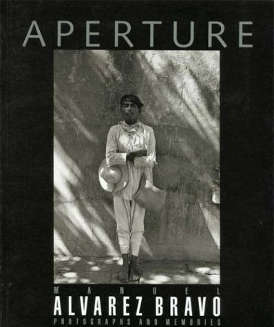 9780893817190: Manuel Alvarez Bravo: Issue 142: Photographs and Memories (Aperture)