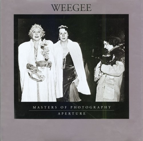 9780893817497: Weegee (Masters of photography)