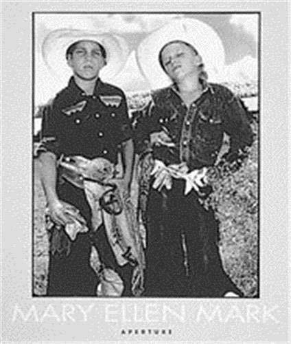 9780893818807: Mary Ellen Mark: An American Odyssey 1963-1999 (Aperture Monograph)