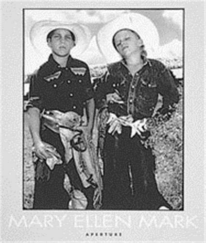 Mary Ellen Mark: An American Odyssey 1963-1999 (Aperture Monograph): Angelou, Maya