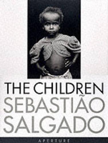 9780893818944: Salgado, Sebastiao: The Children: Refugees and Migrants