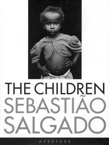9780893818951: Sebastião Salgado: The Children: Refugees and Migrants