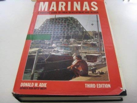 9780893971700: Marinas: A Working Guide to Their Development and Design