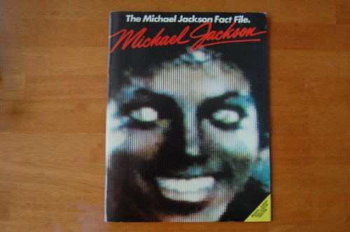 9780895242136: Michael Jackson: The Michael Jackson Fact File