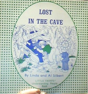 9780895440570: Lost in the Cave