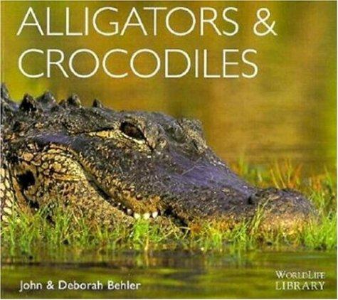 9780896583702: Alligators and Crocodiles (World Life Library)