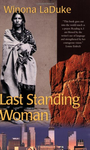 9780896584525: Last Standing Woman (History & Heritage)