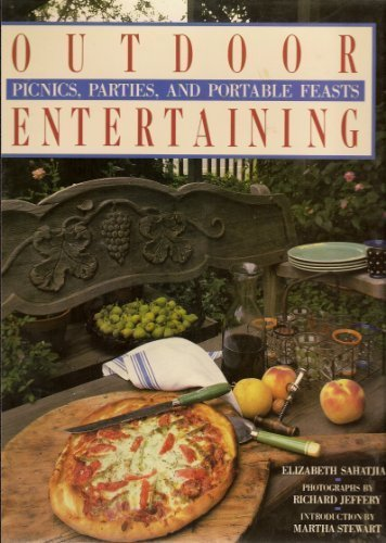 9780896600171: Outdoor Entertaining: Picnics, Parties, and Portable Feasts