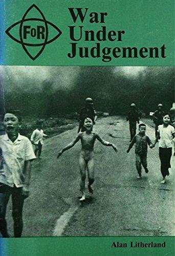 9780900368356: War Under Judgement