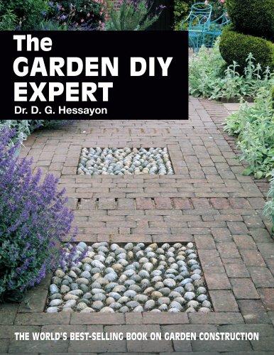 9780903505376: The Garden DIY Expert (Expert Books)