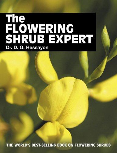 9780903505390: The Flowering Shrub Expert: The world's best-selling book on flowering shrubs (Expert books)