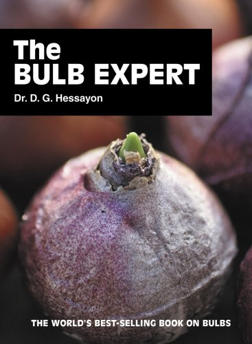 9780903505420: The Bulb Expert: The world's best-selling book on bulbs (Expert Books)