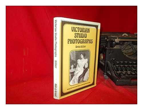 9780904069037: Victorian Studio Photographs