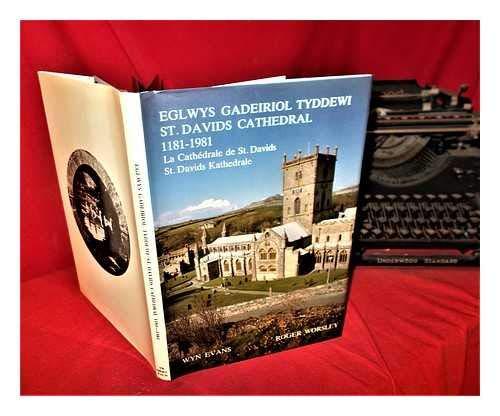Eglwys Gadeiriol Tyddewi, 1181-1981 = St. Davids: Evans, Wyn (1946-)