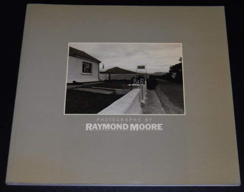 9780906333150: Photographs by Raymond Moore