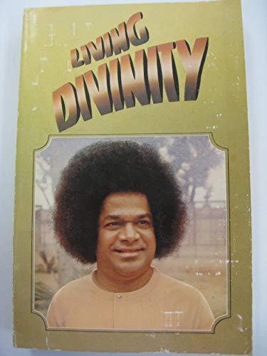 9780907555001: Living Divinity