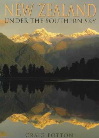 9780908802197: New Zealand: Under the Southern Sky