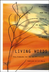 9780910261425: Living Words
