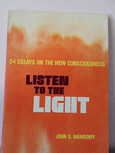 9780911336849: Listen to the Light