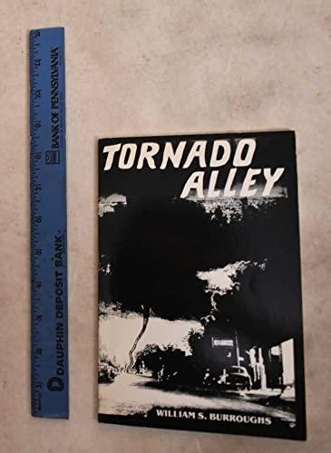 9780916156831: Tornado Alley