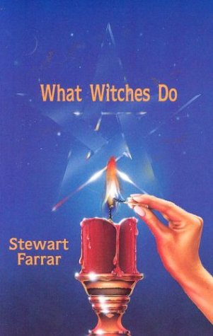 9780919345171: What Witches Do
