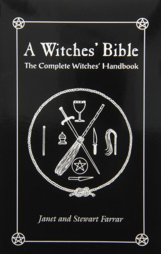 9780919345928: A Witches' Bible: The Complete Witches Handbook