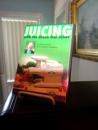 9780929619439: Juicing with the Green Star juicer