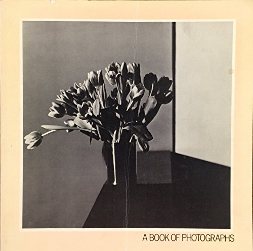9780930928001: A Book of Photographs from the Collection of Sam Wagstaff (Getty Trust Publications: J. Paul Getty Museum)