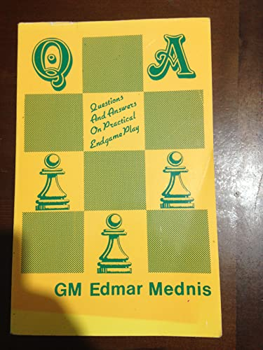 9780931462696: Questions & Answers on Practical Endgame Play