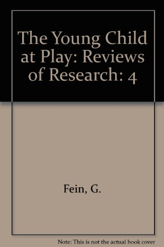 9780935989021: The Young Child at Play: Reviews of Research