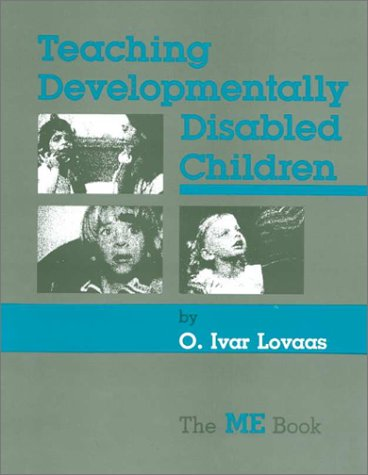 9780936104782: Teaching Developmentally Disabled Children: The Me Book