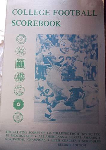 9780938428053: College football scorebook
