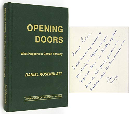 9780939266074: Opening Doors: What Happens in Gestalt Therapy