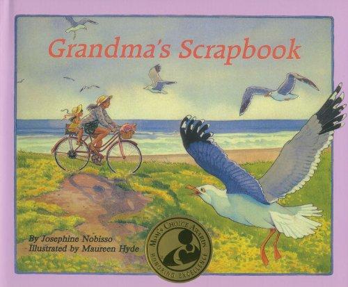 9780940112056: Grandma's Scrapbook