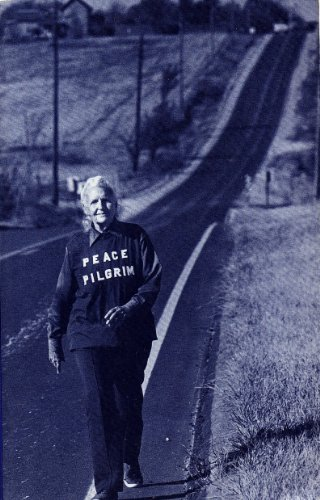9780943734156: Peace Pilgrim: Her Life and Work In Her Own Words