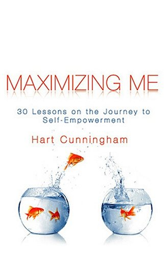 9780944031995: Maximizing me : 30 lessons on the the journey to self-empowerment