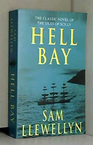 9780947618001: Hell Bay