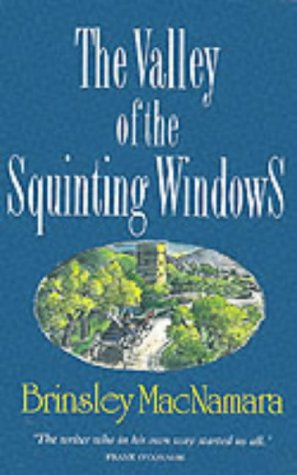 9780947962012: The Valley of the Squinting Windows