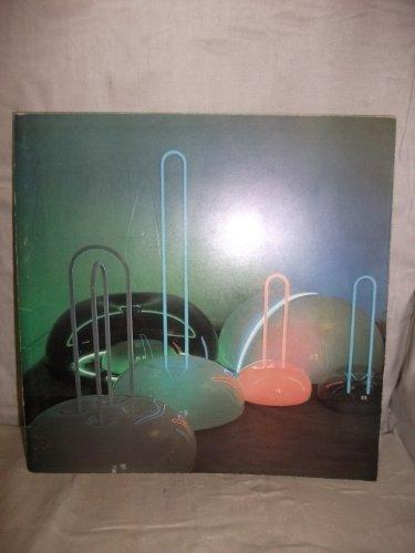 9780950062303: Continuum: [catalogue of an exhibition of the work of] Bob Janz, Dante Leonelli, Michael McKinnon
