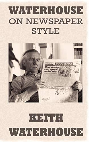 9780956368690: Waterhouse on Newspaper Style
