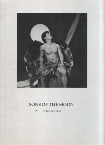 9780962427619: Sons of the Moon