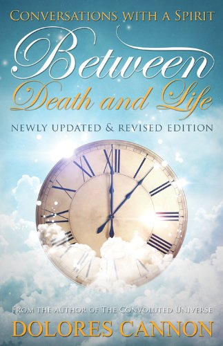 9780963277657: Between Death & Life: Conversations with a Spirit