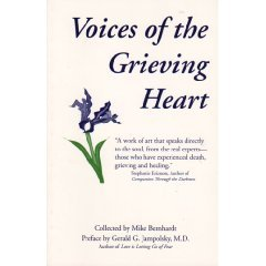 9780964281004: Voices of the grieving heart