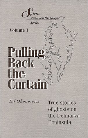 9780964324404: Pulling Back the Curtain (Spirits Between the Bays Series)