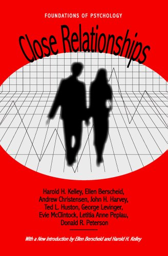 9780971242784: Close Relationships (Foundations of Psychology)