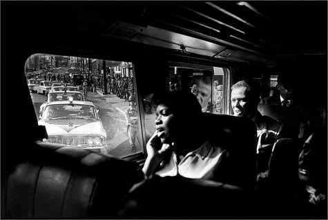 9780971368118: Bruce Davidson, Time of Change: Civil Rights Photographs 1961-1965