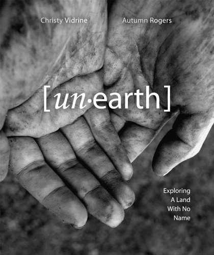 9780980217117: unearth