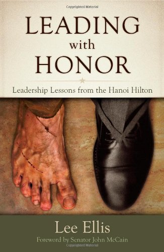 9780983879305: Ellis, L: Leading With Honor